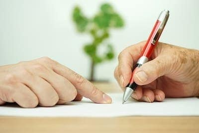 Who are the key parties to a will